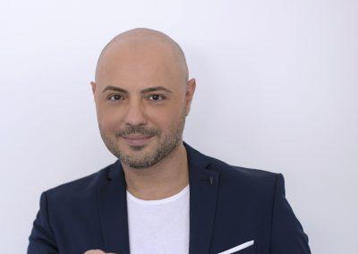 Mihai Mitoseru prezinta emisiuni tv interactive