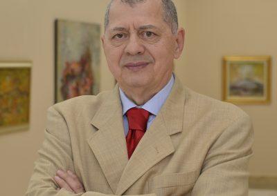 Octavian Ursulescu a fost realizator la Radio Romania