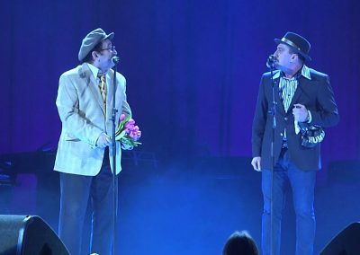 Romica Tociu si Cornel Palade prezinta sau fac stand-up comedy la orice tip de eveniment