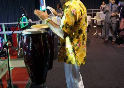 Rafa de Cuba canta alaturi de Havana Latin Band