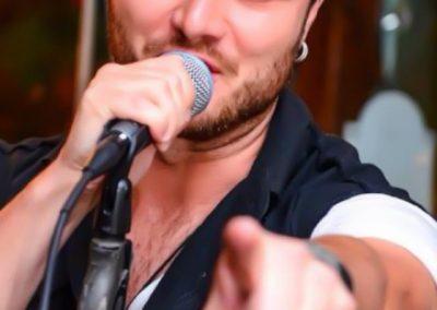 Tavi Clonda & Band s-au infiintat in anul 2013
