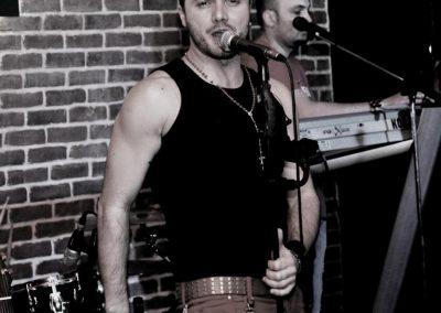 Tavi Clonda a fost solistul trupei Bandidos